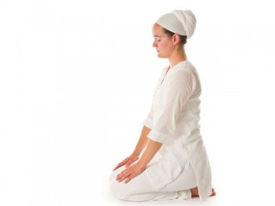 Bowing Jaap Sahib – Postural Suggestions