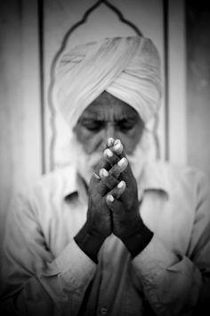 Honoring the Siri Singh Sahib Yogi Bhajan Ji